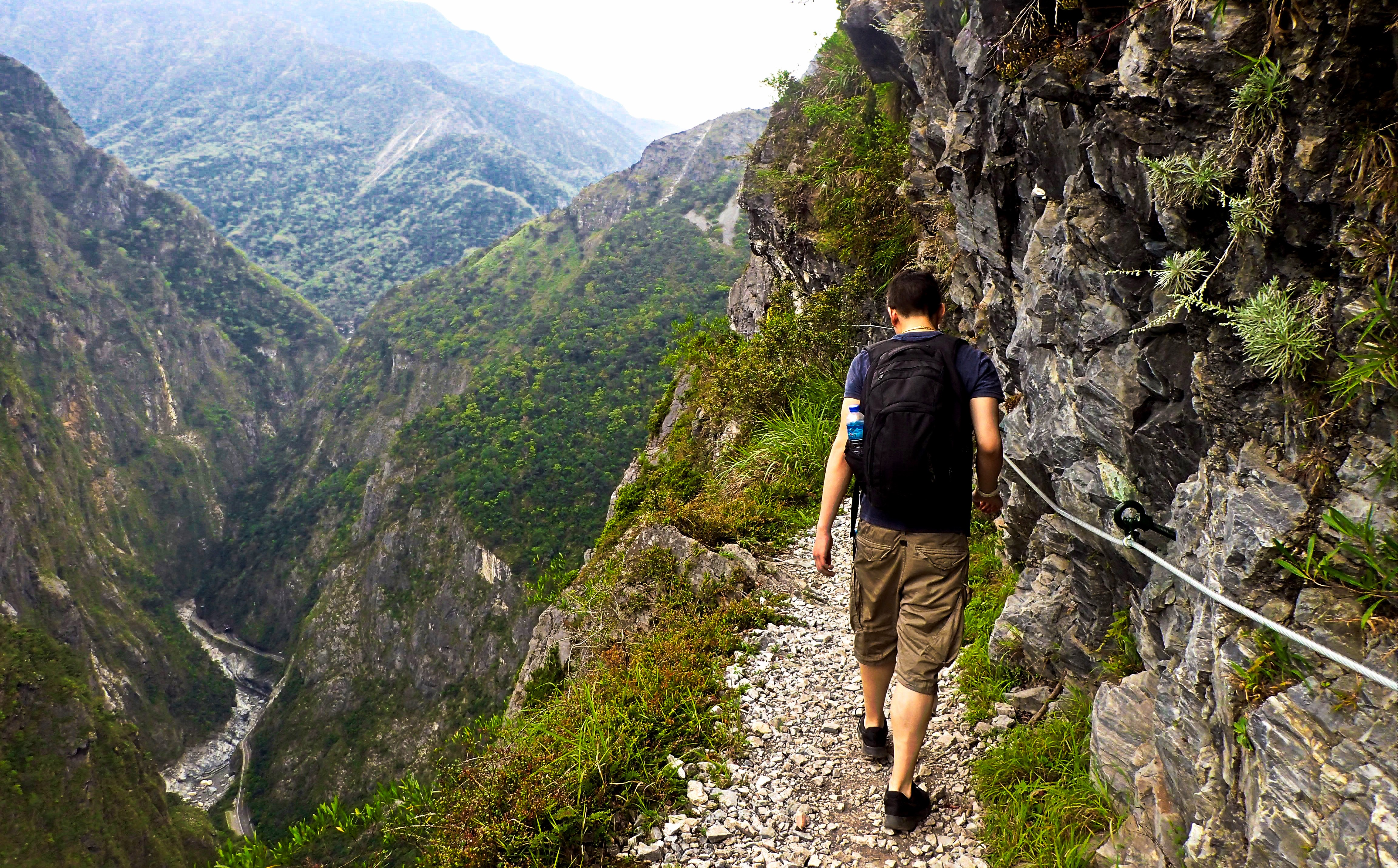 Zhuilu Old Trail Tour with Qingshui Cliffs