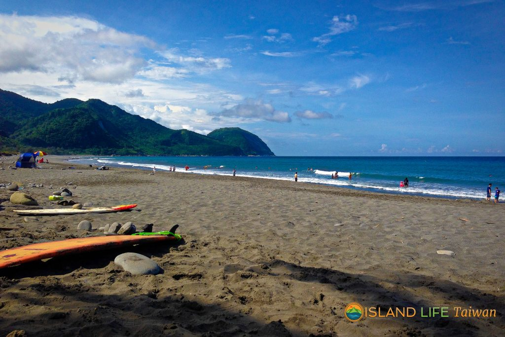 What to do in Hualien? Check out these Hualien attractions: Jici Beach, East Coast Taiwan on Hualien Tour