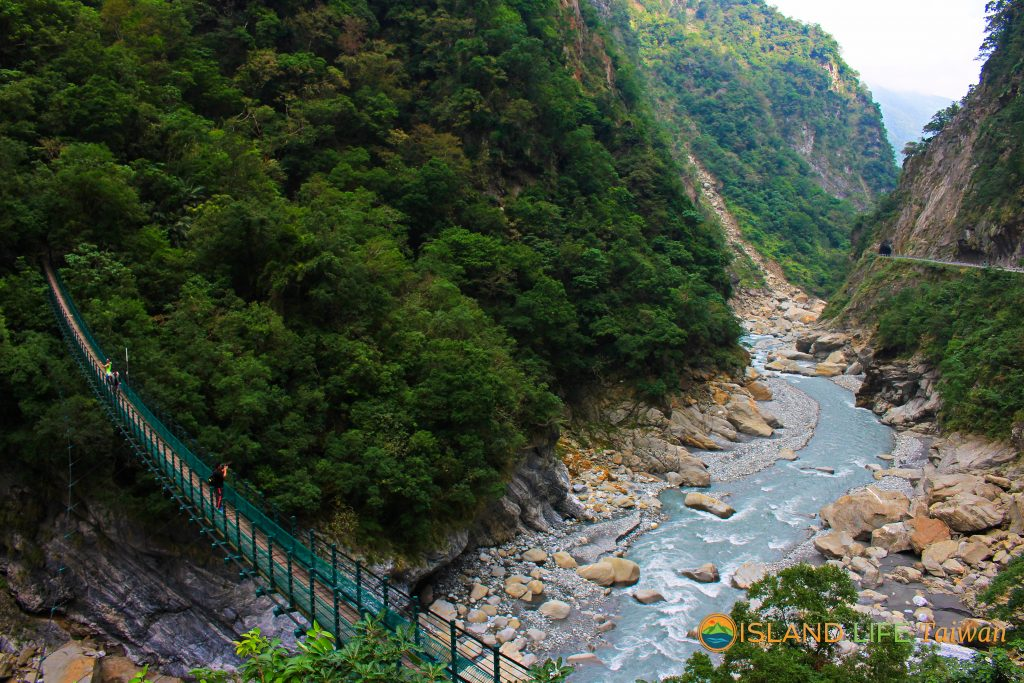 Hualien attraction: Swallow Grotto in Taroko Gorge National Park on our Taroko Gorge Tour