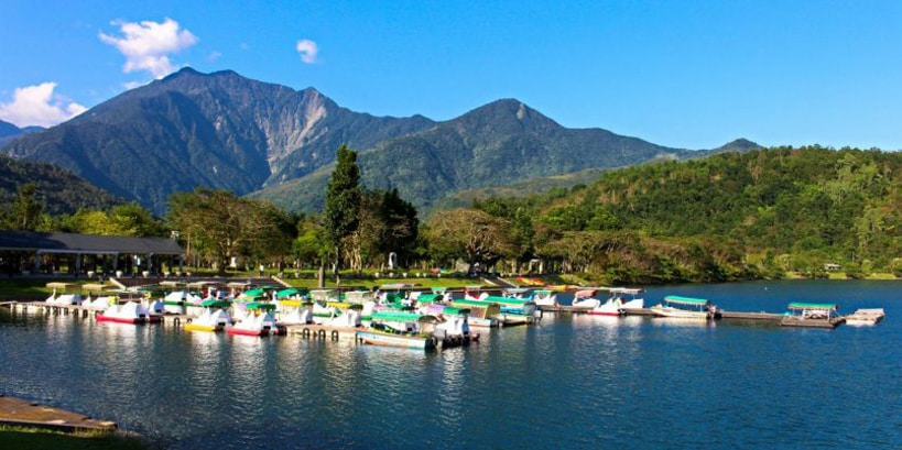 Liyu lake on hualien tour