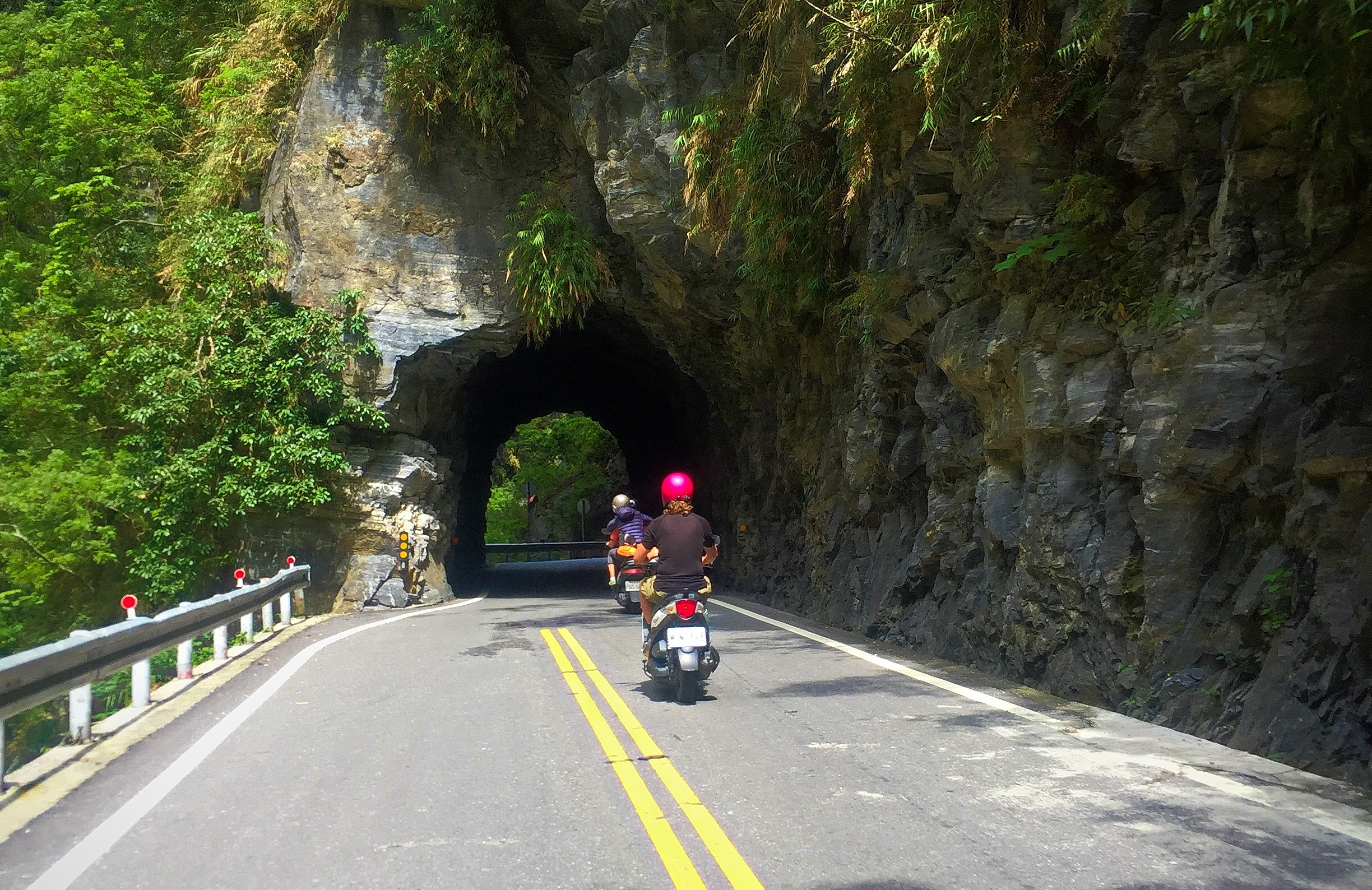 Taroko Gorge By Scooter!