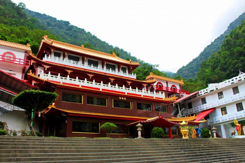 Changuang Temple on a Taroko Gorge Tour