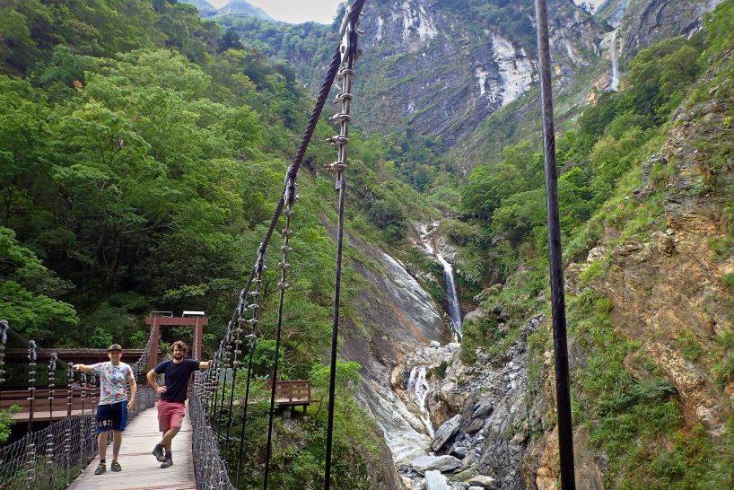 Taroko gorge trails in Taroko Park